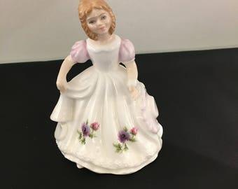Royal Doulton Figurine , Pretty Ladies March HN3332, R. Tabbenor, English porcelain, English Figurines
