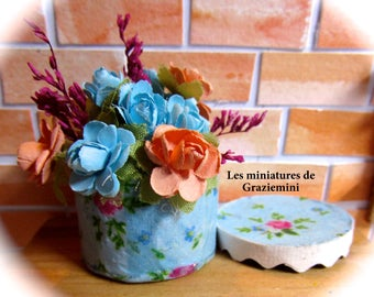 Miniature hat box -scale 1:12- dollhouse miniatures