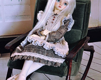 Rocking chair for 1/4 doll