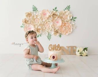 CREAMY CAKE SMASH Paper flower backdrop/Paper flower wall/Wedding Backdrop/Baby Bridal shower/Sweet table/Christening/Holy communion/Nursery