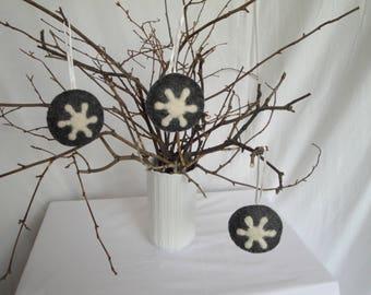 Christmas decoration set of three, tree ornaments, snowflake baubles, grey cream snowflakes, needle-felt baubles, felt snowflake decor