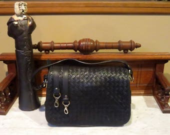 Cole Haan Black Woven Leather Shoulder Or Crossbody Bag With Gold Tone Hardware & Detachable Crossbody Strap- EUC
