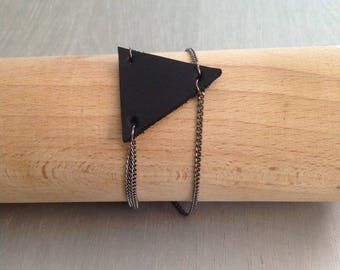 Between finger KEOPS black leather bracelet