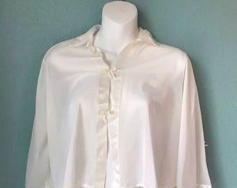 Vintage henson kickernick sz S white nylon bed jacket