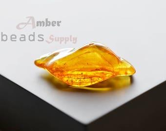 Baltic amber stone. 1 piece natural amber bead. Jewelry making stone, polished amber. 2392