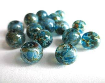 10 painted white speckled green and blue glass beads 8mm