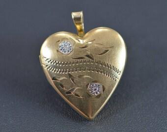 10k Engraved Heart Photo Locket Pendant Gold
