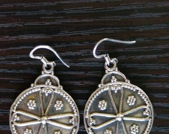 ON SALE Compelling SILVER Earrings