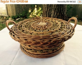 ON SALE Wicker Sewing Basket, Sewing Basket, Wicker basket, Antique Wicker, Rope Basket, Needlework Basket