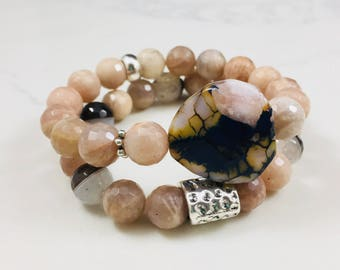 "Set of 2 ""Mona"" moonstone and agate beaded bracelets // Fast and free shipping"
