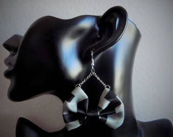 Black bow tie fabric necklace grey earring