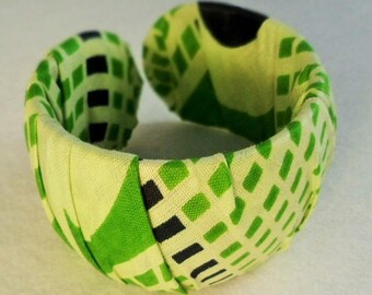 Bracelet green gingham fabric