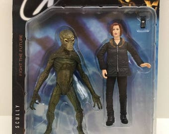 1998 The X-Files Action Figure Series 1 - Agent Scully with Alien