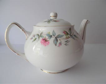 Vintage Bone China Teapot. Dutchess Bone China Made in England. Afternoon Teapot.