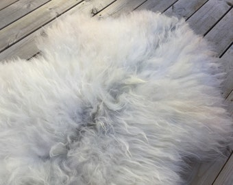 Real Sheepskin rug supersoft rugged throw from old Norwegian spael breed long haired sheep skin genuine grey white 18064