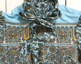 Beautiful Blue Paisley women's 1960's polyester zip up top size 10 - 12