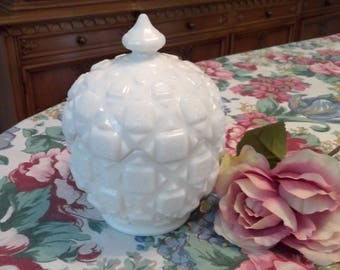 Vintage Milk Glass Old Quilt Covered Candy Bowl, Covered bowl,  #500/OQ-34, Rare, 1978, covered bowl, shabby chic, cottage chic, collectible