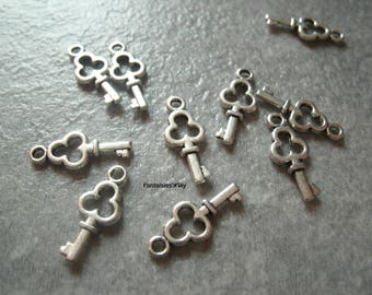 (BA1) Set of 10 small 3D acrylic 16mm silver key charms