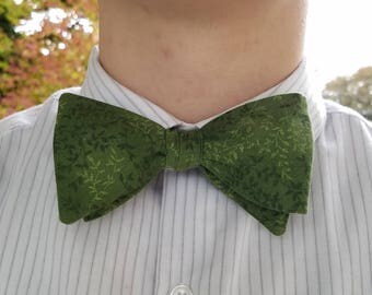 Green Vines Bowtie, Adjustable