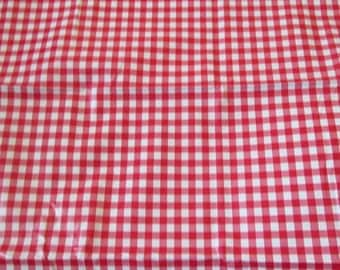 Coated or waxed Plaid red and white canvas