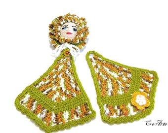 Green crochet doll potholder, presina bambola verde all'uncinetto