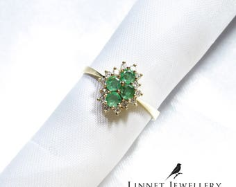 Vintage Emerald & Diamond Cluster Ring 9ct Solid Gold ( UK N / US 7 )