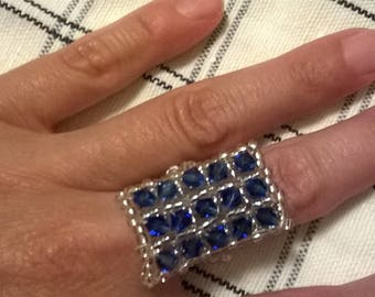 Ring with crystals and rocaille
