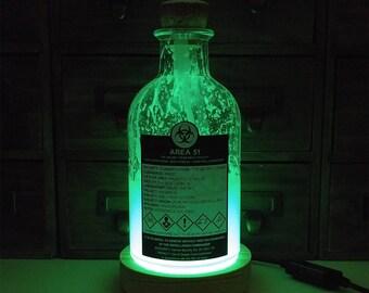 Area 51 TOP SECRET Glow In The Dark Alien Specimen Bottle With UK Mains Powered Pine Display Base JayEngrave