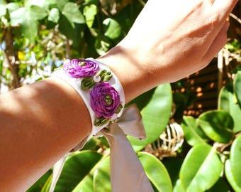 wedding bracelet, embroidered bracelet, white silk bracelet, wedding jewerly, fabric jewerly, shabby bracelet, bracelet vintage, bracelet