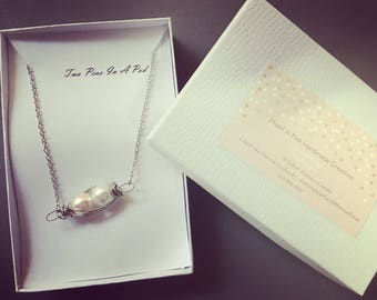 Two peas in a pod friendship necklace with pearls
