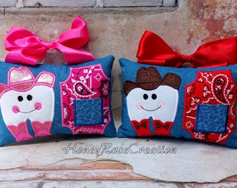 Cowboy tooth fairy pillow.Embroidred tooth fairy pillow.