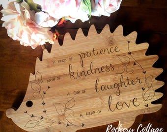 Hedgehog chopping board, cutting board, hedgehog gift, hedgehog board, hedgehog lover, handwriting gift, writing gift, animal gift, kitchen