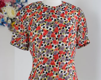 80s Does 1940s Blouse - Polkadot Floral Top - Short Sleeve - Button Up - Red Grey Yellow White - Feminine - Vintage - Classic - Size Medium