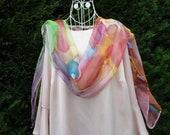 """Long foulard en soie chiffon, peint à la main, mousseline de soie, multicolore, léger et printanier, unique """"Au gré du vent"""""""