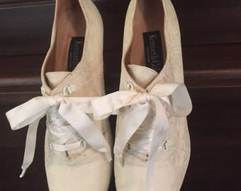 White brocade Kenneth Cole Victorian brocade wedding shoes with kitten heels