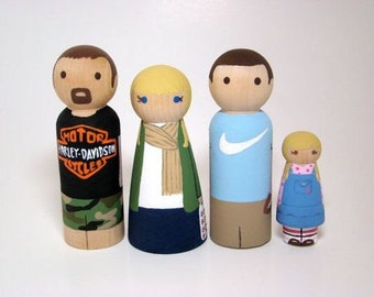 FREE SHIPPING Personalized Wooden Peg Family / Personalized Family Portratit / Home Decor