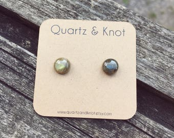 Labradorite Earrings, Labradorite Studs, Raw Crystal Earrings, Green Earrings, Studs, Titanium Earrings, Stud Earrings, Festival Accessory