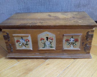 Vintage Wooden Music Box with Reuge Swiss Movement - 60's -Hand painted