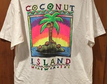 Vintage Hawaii Men's Large Coconut Island Palm Tree 80s 90s Tourist Travel Souvenir T Shirt Rainbow