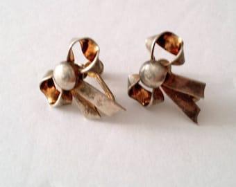 Mid Century 925 Silver Bow Ribbon Screw Earrings