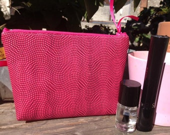 Gift idea for woman: clutch/pouch for your makeup or other effects