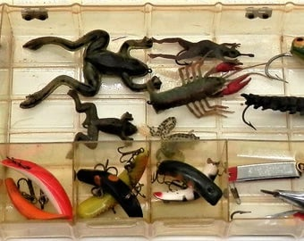 Box of 19 Vintage Fly Rod Fishing Lures