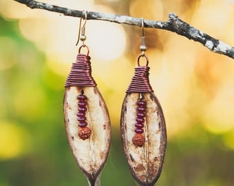 Seed Pod Earring (Red Thread)
