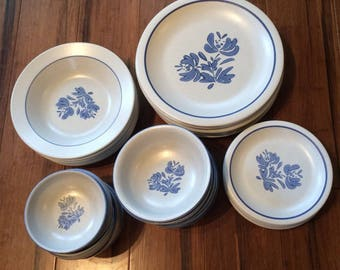 "Pfaltzgraff Yorktowne rimless 4 7/8"" bowls"