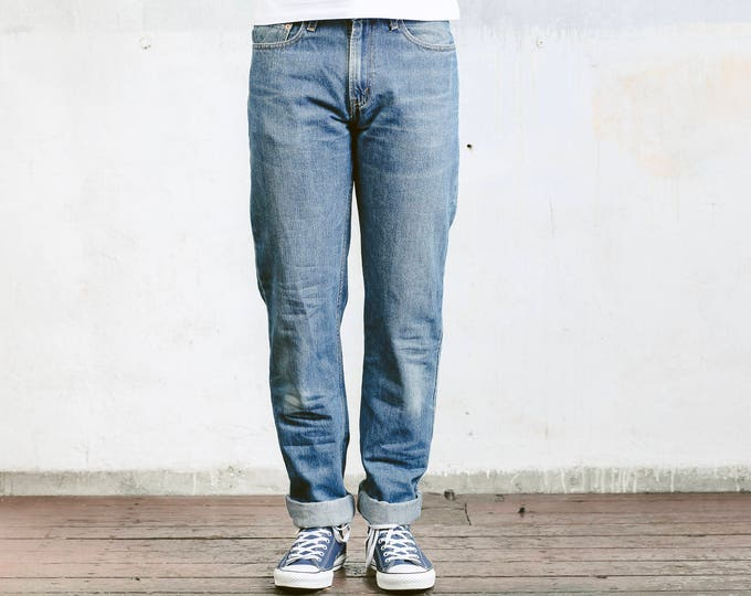 Vintage Levis 505 Jeans . Retro 90s Jeans Mens Large Denim Jeans Medium Wash Distressed Jeans Big Brother Jeans Oldschool Pants . W32 L36