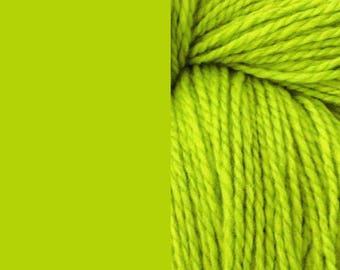 Wool yarn, apple green | bulky 2 ply quick knit pure wool yarn 100g/130m