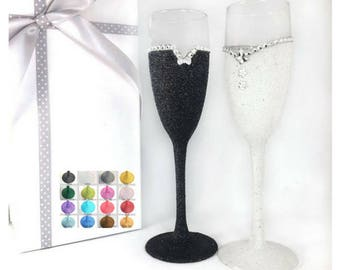 Personalised champagne glass, personalised champagne flutes, bridal glasses, wedding gifts for couple, glitter glasses, glitter glass,