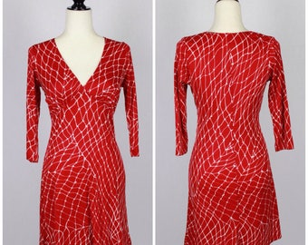 SALE VTG Red and White Barbed Wire Print Empire Waist V-Neck Jersey Dress