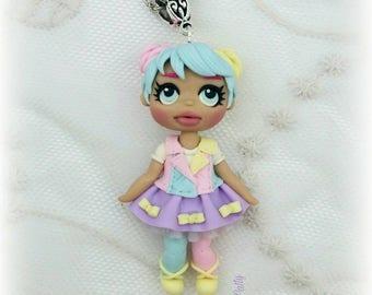 Collana con bambolina LOL Bon Bon