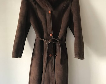 Delightful Long Vintage Brown Genuine Sheepskin Fur Coat With fluffy Collar Women's Size Small .